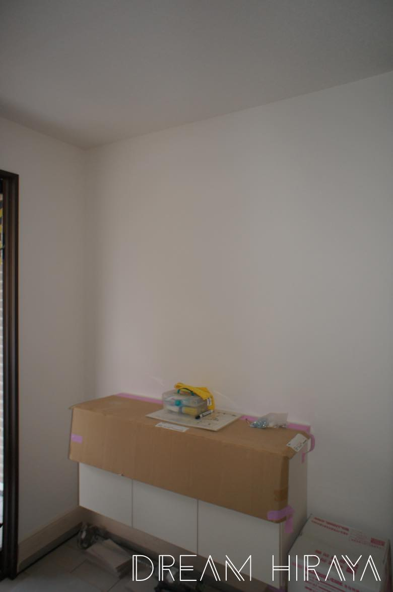 おしゃれな注文住宅なら積水ハウス 着工68日目 クロス 壁紙 貼り作業開始 内装工事中 おしゃれな平屋と素敵なホテルめぐり